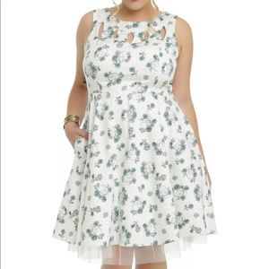 Hot Topic White Skulls Large Floral Swing Dress